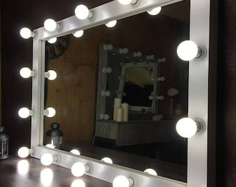 Mirror with lighting Ensuite Vanity Mirror With Lights Hollywood Mirror Glamor Mirror With Lights Makeup Mirror Mirror With Lamps Mirror For Showroom Homedit Vanity Mirror With Lights Etsy
