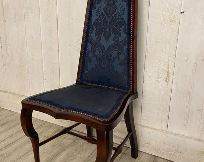 At Nouveau Chair