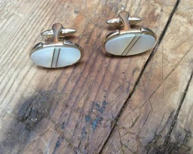 Vintage Mother of Pearl Cuff Links J-077