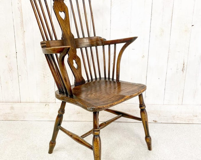 Windsor Comb Back Antique Chair