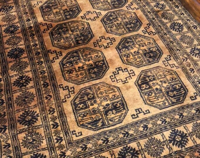 Stunning Han Knotted Ground Rug 200 x 155
