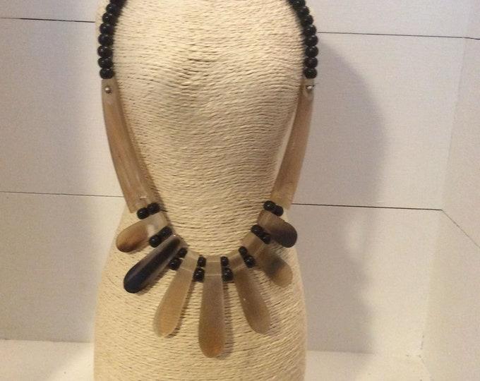 Vintage Costume Jewellery Necklace- J035