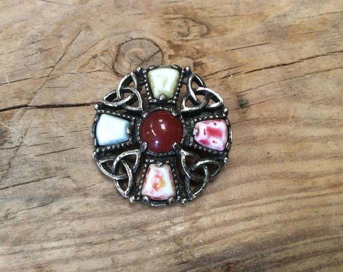 Vintage Agate Metal Base Vintage Brooch- J046