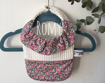 ROMY-> bib with collar in Liberty of London for girl - list of birthstone - birthstone - liberty - essential baby gift