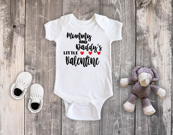 Valentine/'s Day Baby Outfit Mama is my Valentine Long or Short Sleeve Baby Bodysuit
