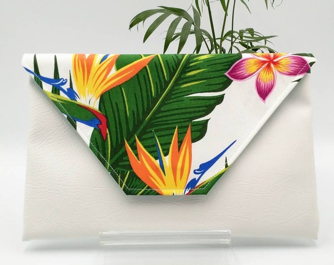 Tropical white clutch