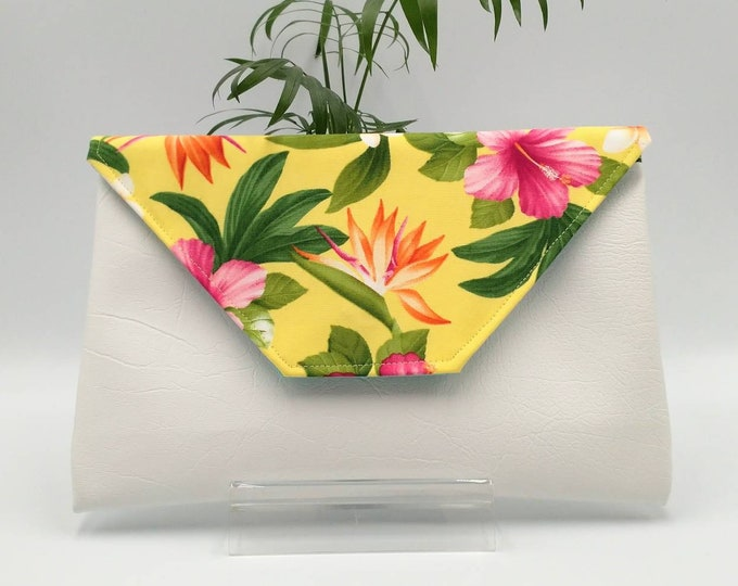 Tropical white and yellow clutch