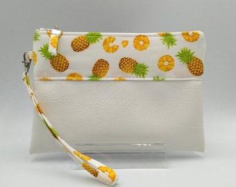 Pineapple Wristlet Purse.