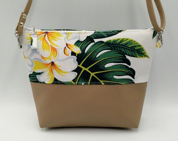 Featured listing image: Tropical Handbag