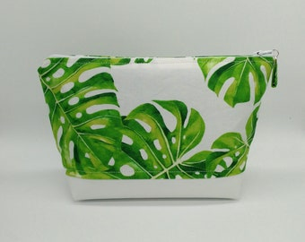 Tropical makeup bag, Tropical cosmetic bag, Tropical toiletry bag, Monstera bag, Monstera makeup bag, Travel bag, Tropical bag, Hawaiian bag