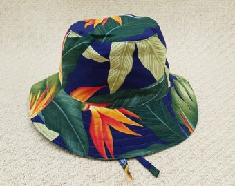 Palm leaves navy bucket hat