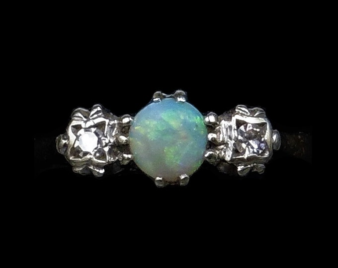 Vintage Natural Opal and Diamond Trilogy Three Stone 9ct 9K Yellow Gold Ring   London 1980