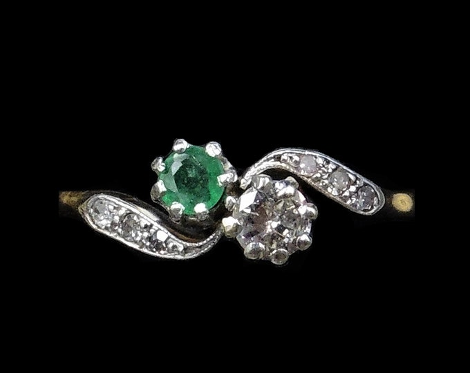 Antique Emerald and Diamond 'Toi et Moi' Twist 18ct 18K Yellow Gold and Platinum Ring | Edwardian Circa.1910