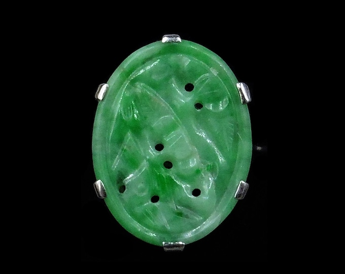 Art Deco Carved Jade Jadeite 18ct 18K White Gold Oval Panel Ring   Antique Circa.1920