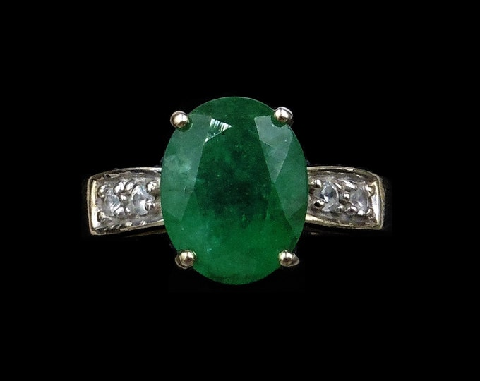 Oval Green Chrysoprase and Spinel 9ct 9K Yellow Gold Ring   Cocktail Dress Ring