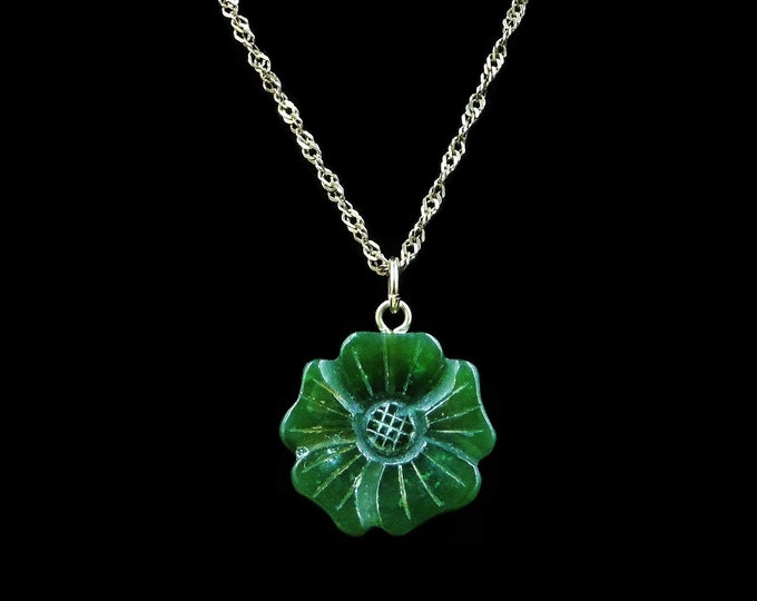 Antique Green Jade Jadeite Flower 9ct 9K Yellow Gold Pendant and Chain Necklace | Vintage