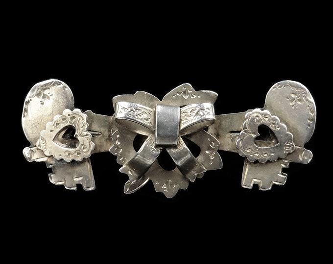 Antique Sweetheart Sterling Silver Heart Ivy Bow Double Key Brooch Pin | C.1900