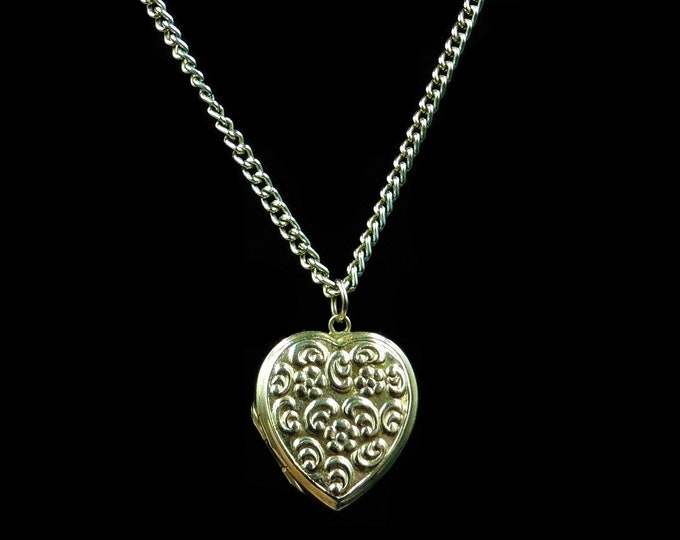 Antique Engraved Floral 9ct 9K Yellow Gold Heart Locket Pendant and Chain Necklace | Vintage 24""