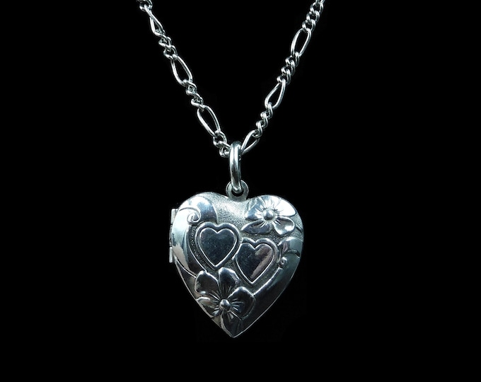 "Vintage Sterling Silver Fancy Heart Engraved Photo Locket Pendant Necklace | 18"" Chain with Dog Clip"