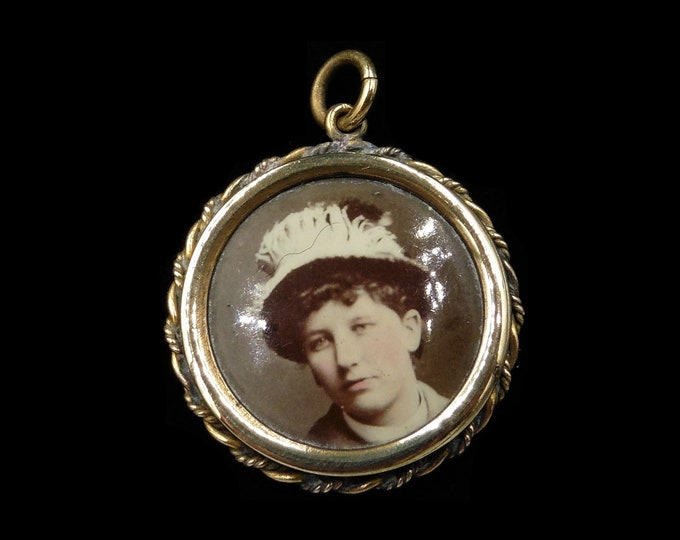 Antique Victorian Rolled Gold Round Glass Shaker Photo Locket Pendant | Circa.1880