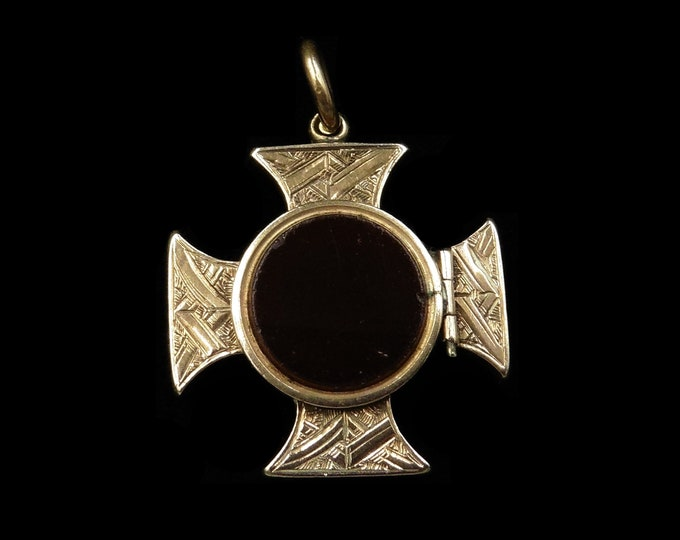 Antique Victorian Carnelian Agate 9ct Gold Maltese Cross Locket Pendant | Circa. 1880