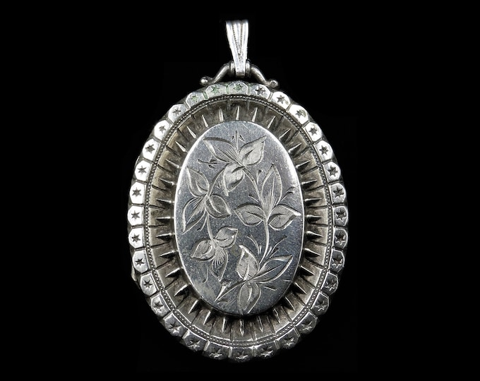 Antique Victorian Aesthetic Ivy Sterling Silver Oval Locket Pendant | Circa.1880