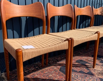 4 Mid-Century Danish Dining Chairs - Outstanding Design