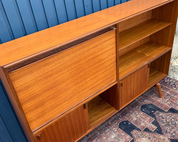 Stunning Mid-Century Bookshelf Drinks Cabinet Designed by Robert Heritage