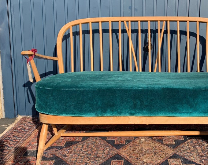 Vintage Ercol Windsor Sofa - Beautiful Original Design