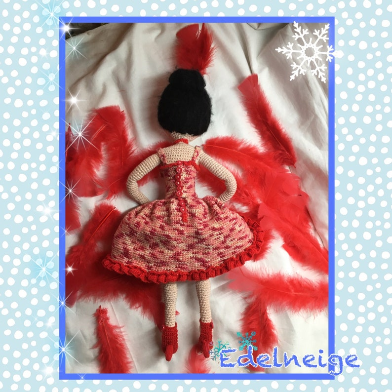 How to crochet doll dresses / doll clothes - YouTube | 794x794