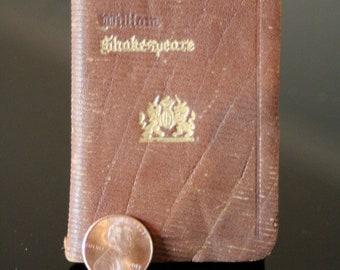 Miniature William Shakespeare book - Hamlet