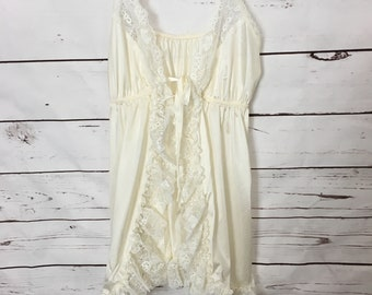 acc5675626f45 Vintage Flair Open Front Chemise Babydoll Ivory Lace Nylon Bridal Lingerie Size  Small