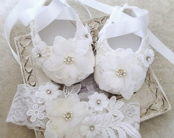 414ff56d1fe43 Baby Girl Bridal White Off White Baptist Shoes Christening Shoes Daisy  Flowers with Pearls and Lace Headband Baby Shower Gift
