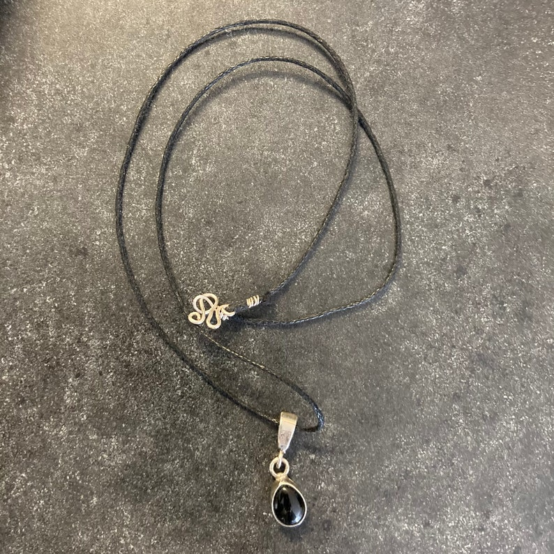 Vintage Sterling silver choker  925 sterling silver necklace pendant black onyx stone marked sterling