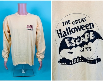 Vintage 1990s Halloween Tee | The Great Halloween Escape Sam's Town Casino T Shirt