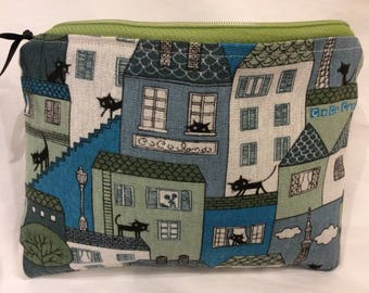 A purr-fect hand made 100% cotton make up bag in a designer cat fabric. Generous size for all travel needs