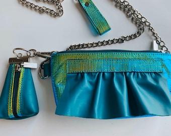 Medium WAVE leather bag turquise