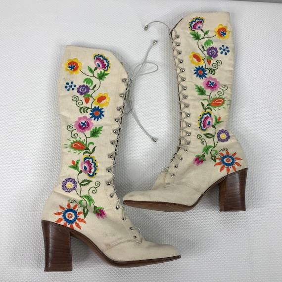 RARE Vintage 1975 Jerry Edouard White Floral Beade