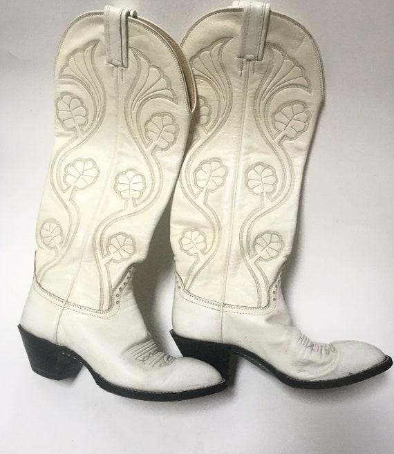 Rare white Hondo Boots