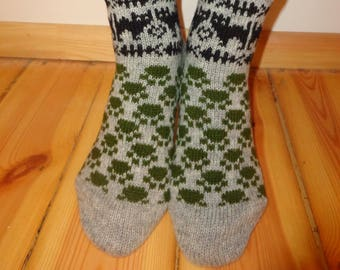 Cute Knitted Women and Men Socks Hand Made Casual Cannabis Leaf Wool Home Gift Ethnic Scandinavian Ornament Winter Warm Natural Sheep Wool