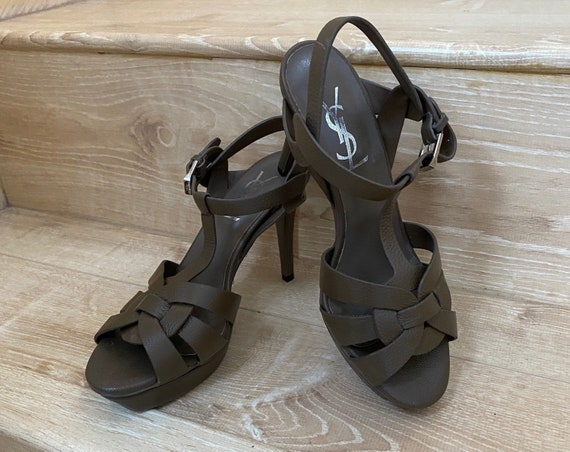 Classic Yves Saint Laurent YSL leather high heels
