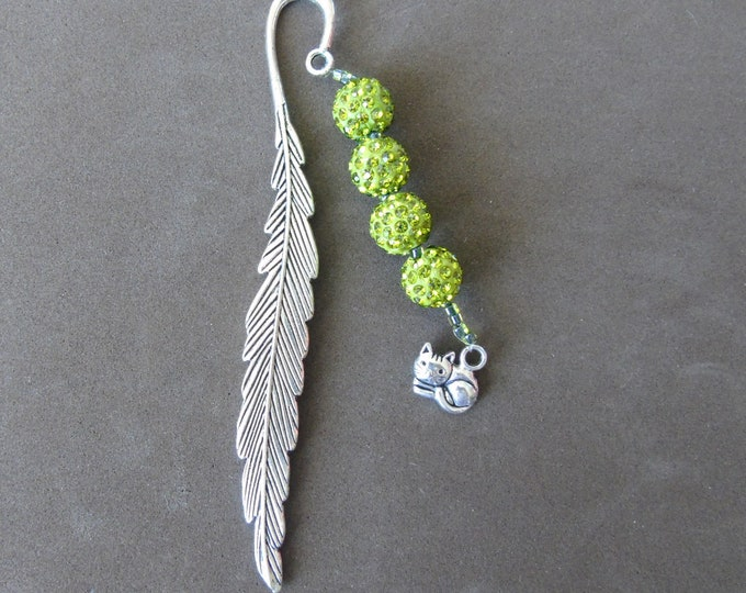 "Bookmark ""feather"" # green beads # cat pendant # 11.5 cm"