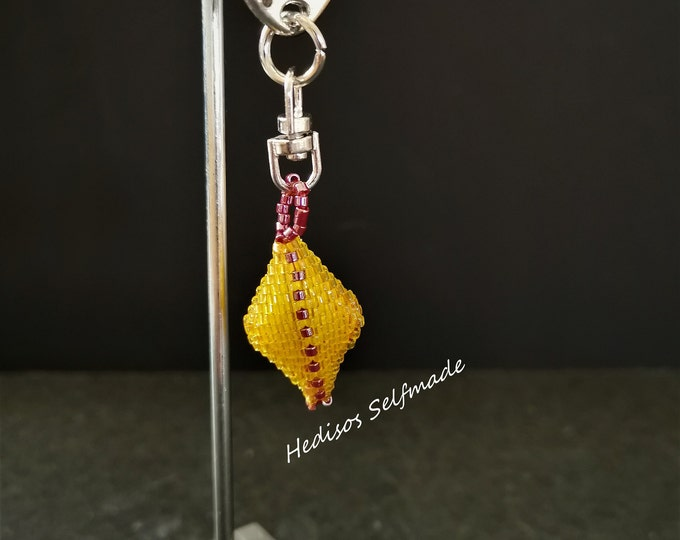 3-D-Anhänger # Key Chain #Raute # threaded # yellow-redbrown # 3 cm