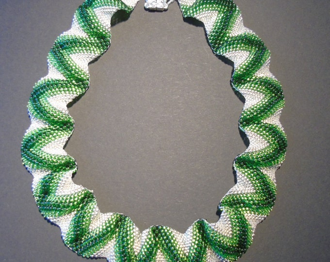 noble Cellinikette # green wave 52 cm