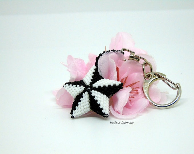 "Keyring # bag charm ""star"" #black #white 4.5 cm"