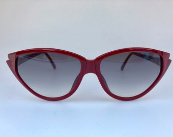 ce4f4475e3 CHRISTIAN DIOR vintage maroon cats-eye 90s sunglasses shades new old stock