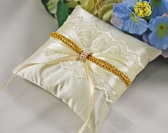 Gold ring pillow Gold ring bearer Lace ring pillow Сustom ring pillow Ivory ring pillow Satin ring pillow Ring bearer cushion Wedding gold