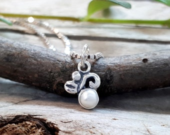 Dainty Silver Floral Pendant with Pearl, Sterling silver mini floral pendant with freshwater pearl, Handmade, Pendant #100
