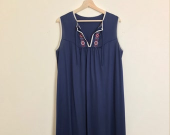 1970s Vintage Navy Blue Embroidered Sleeveless Floor Length Maxi Dress Night Gown Size Large