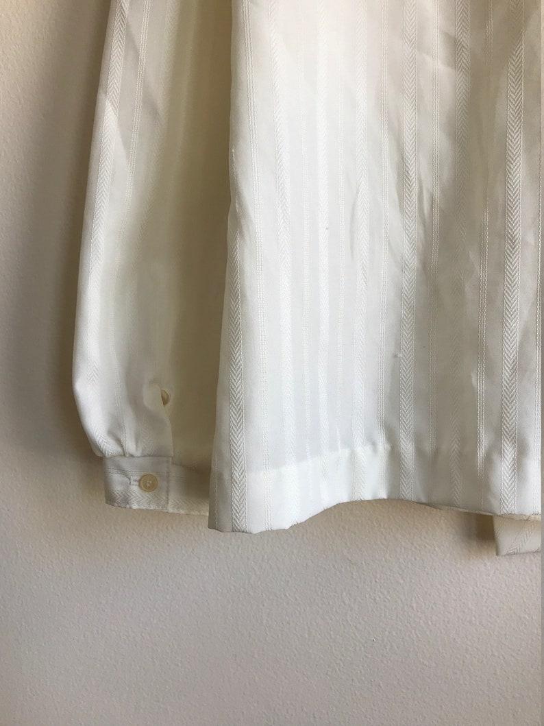 1980s White Long Sleeve Tie Neck Blouse Women/'s Size Medium